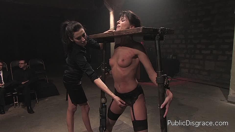 Wird gefoltert sklavin Meine Sklavin